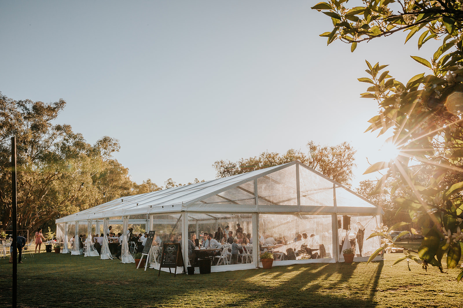 EVENTS MATTER – Marquee, furniture hire + styling